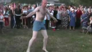 Пьяные танцы в трусах