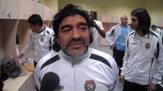 Maradona mouille le maillot en Tchétchénie