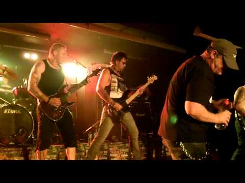 Tysondog - 01 Don't Let The Bastards + Blood Money (Ages Of Metal, 2012 09 29, Belgium) online metal music video by TYSONDOG