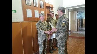 В Харькове наградили военных, спасших девочку-подростка