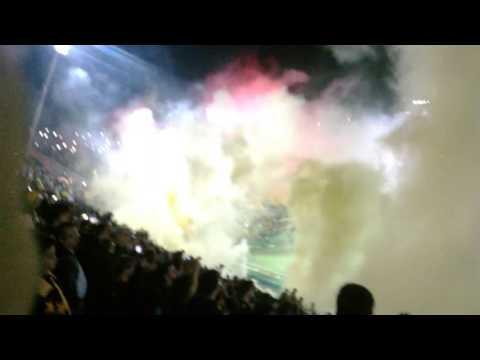"""""""Recibimiento de Peñarol en la inaguracion del estadio """" Campeón Del Siglo"""" 2016.6"""" Barra: Barra Amsterdam • Club: Peñarol"""