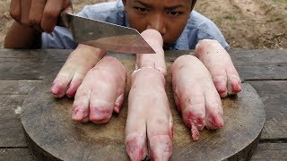 Delicious Pig Feet Soup Cooking / Pig's Trotters Soup Recipe