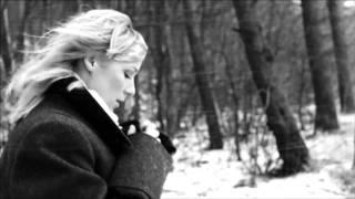 Lenna Kuurmaa - Mina Jään Official Video