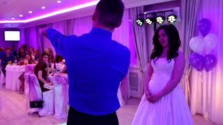 Брат спел сестре на свадьбе, плакал весь зал!