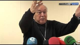 preview picture of video 'Ángel Rubio encomienda el futuro del Obispado de Segovia a la reunión con el Papa en 2014'