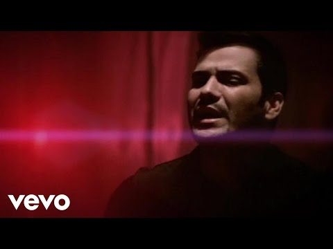 Víctor Manuelle - Nuestro Amor Se Ha Vuelto Ayer (Video)