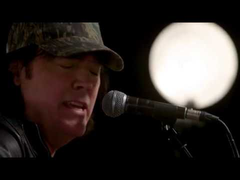 "David Lee Murphy - ""Everything's Gonna Be Alright"" - Reviver Sessions (Acoustic)"