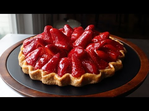 "Fresh Strawberry Tart – Easy ""Free-Form"" Strawberry Tart Recipe"
