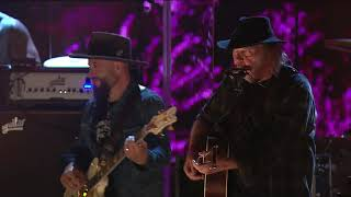 Neil Young & Promise Of The Real   Heart Of Gold (Live At Farm Aid 2018)