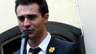 Darius Campbell singing Impossible Dream for Marie Curie