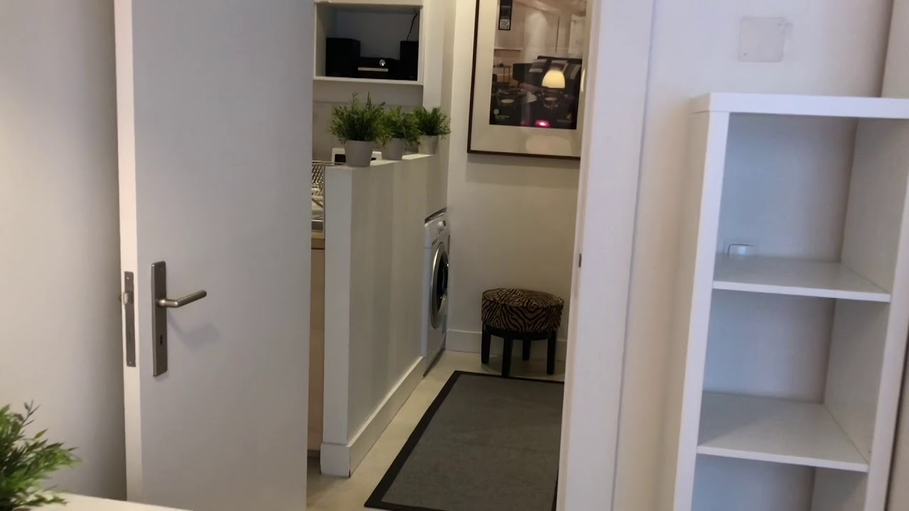 Single Bed in Rooms in comfortable 3-bedroom apartment for rent in Chiado