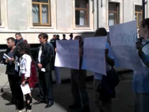 КУПР провел акцию, приуроченную 16-летию Конституции Украины (видео)