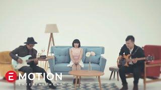 Cassandra - Cinta Dari Jauh (Official Music Video)