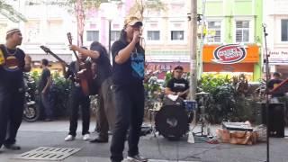 Gemuruh-otaii Rocker Suara Macam Awie Feat Sentuhan Buskers