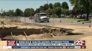 Sinkhole slows traffic, shuts off water for residents in Northwest Bakersfield