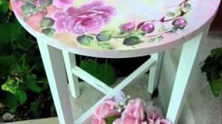 Usando a pintura de lindas rosas para recuperar peças antigas sem perder o glamour