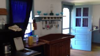 Amish Heartland Tours ~ Swartzentruber house tour.MOV