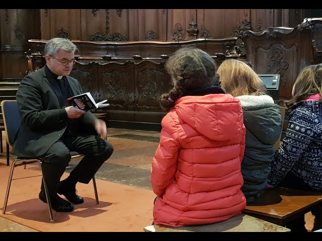 Vorlesetag im Mainzer Dom mit Weihbischof Bentz