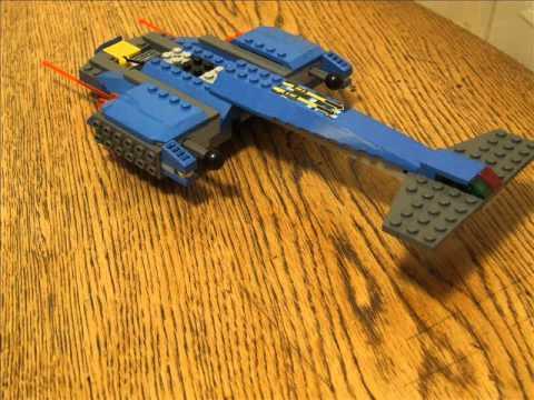 Vidéo LEGO Alien Conquest 7067 : La rencontre avec le jet-copter