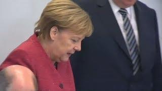 DEUTSCHLANDTREND: Mehrheit will, dass Merkel die volle Amtszeit bleibt