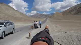 preview picture of video 'Magnetic Hill - Srinagar to Leh Bicycle Tour'