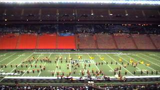 preview picture of video 'HQ Aquila: 2006 Clovis West Marching Band & Color Guard (Rainbow Invitational)'
