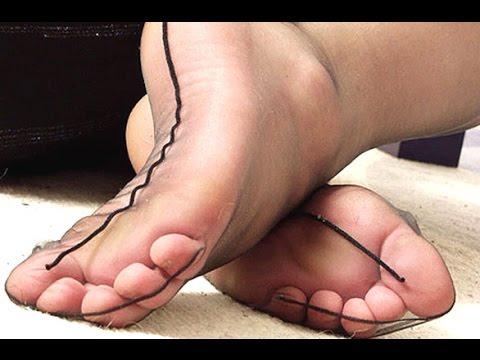 Schöne Füße - in transparenten Strumpfhosen