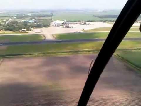 Aterrizaje en Cali Helicóptero R22 Escuela de Aviación del Pacífico Ltda