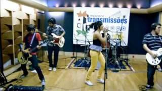 Jullie - I Kissed A Girl / HEY! (Ao Vivo - MySpace)