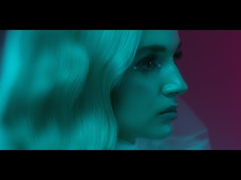 Poppy – Interweb (Official Video)