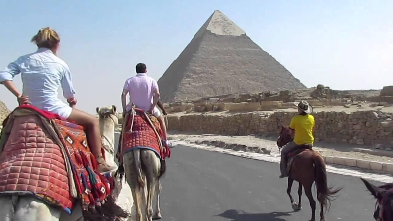 "LATINOS POR EL MUNDO ""EGIPTO"" RODRIGO"