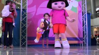 Stacey meets Dora