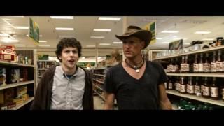Таллахасси ищет Твинки в супермаркете  Добро пожаловать в Zомбилэнд 2