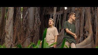 Juntos en Jumanji - Adexe & Nau (Videoclip Oficial)