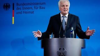 """Seehofer über Maaßen: """"Er ist ein kompetenter Mitarbeiter"""""""