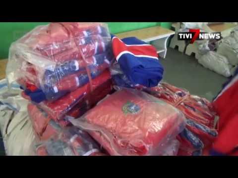 JOMBANG - Seragam Terlalu Kecil Ribuan Siswa Kembalikan Seragam
