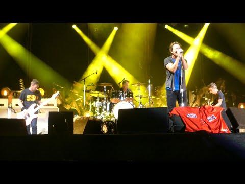 Download Pearl Jam 09-02-2018 Fenway Park, Boston, MA Full Show Multicam Soundboard Blu-Ray Mp4 HD Video and MP3