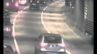Машина из ниоткуда в тоннеле