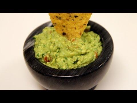 Avocado Guacamole Recipe – CookingWithAlia – Episode 244
