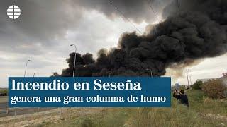 Un incendio en Seseña genera una impresionante columna de humo vista desde Madrid