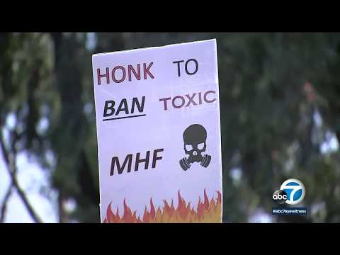 Protesters call for ban of modified hydrofluoric acid at Torrance refinery | ABC7