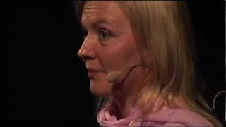 TEDx Helsinki II - Virpi Kuitunen - Luopuminen | Kholo.pk