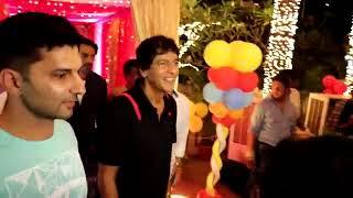 अर्जुन रामपाल , चंकी पांडे , महिमा चौधरी , तुषार कपूर और नविन प्रभाकर आकाश के दसवें जन्मदिन पर आये।