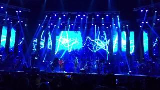 Arijit Singh - Chahun Main Ya Naa - Live @ Dubai