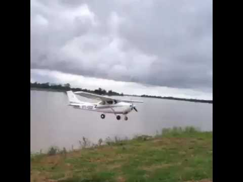 Cessna 172 crazy flying