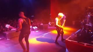 Sum 41 - No Brains Live 2016 (onstage)