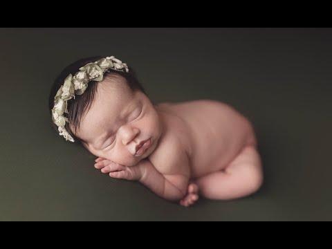 Austin Newborn Photographer - Silver Bee Photography
