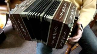 BANDONEON AA TANGO MODEL (RHEINISCHE TONLAGE) 76 KEYS EXTENDED KEYBOARD 40/36 PROFESSIONAL vdo1