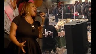 Kierra Sheard sings Medley | that BAND is on fire!!!!!