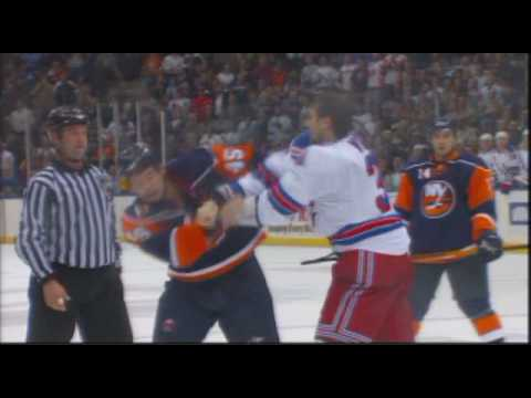 Nate Thompson vs. Aaron Voros